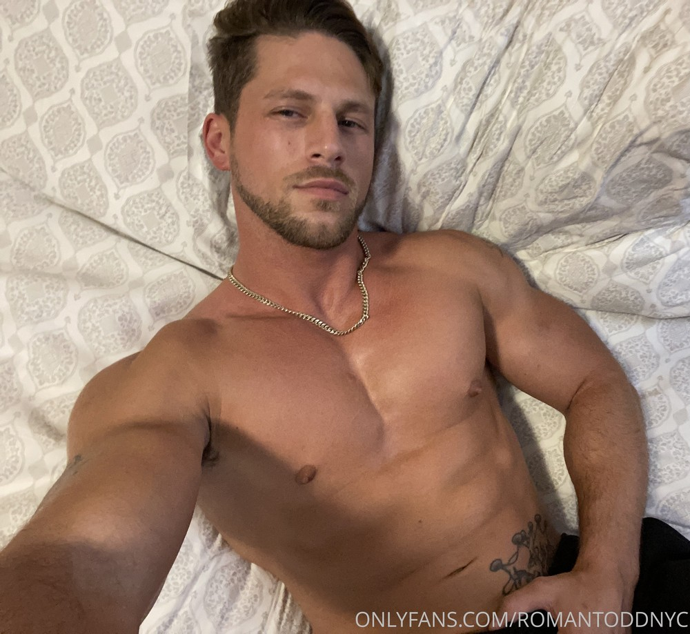 OnlyFans: Roman Todd – Solo Sunday